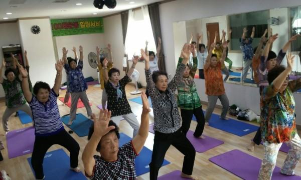 힐링요가 교실 : 요가를 통해 신체 재활과 동시에 전문적인 스포츠 활동으로 정신적 육체적 건강 증진