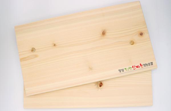 편백도마:천연 향균물질이 함유된 편백나무로 제작해 위생적이며  은은한 향을 느낄 수 있는 편백도마