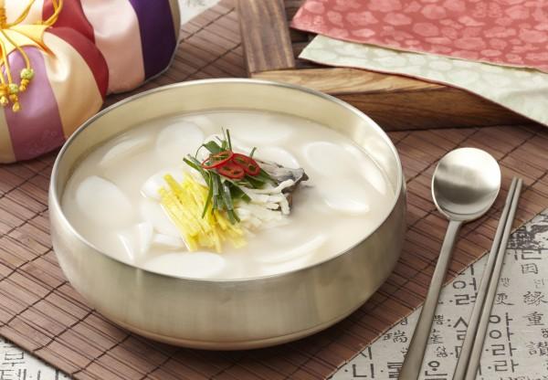 맵쌀떡류:떡국, 꿀떡, 뽕잎갠떡, 오색송편, 무지개떡, 앙금설기, 하트설기, 백설기